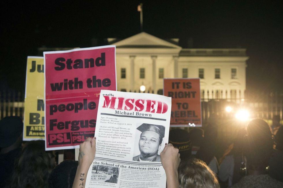 Ferguson: perché il poliziotto che ha ucciso Michael Brown non è colpevole