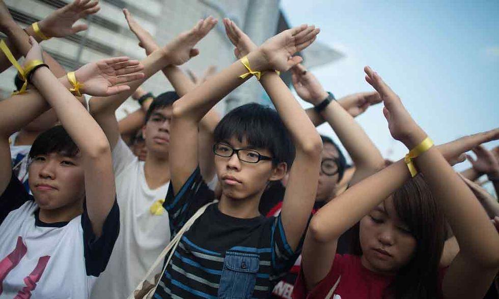 La polizia di Hong Kong arresta due leader di Occupy Central