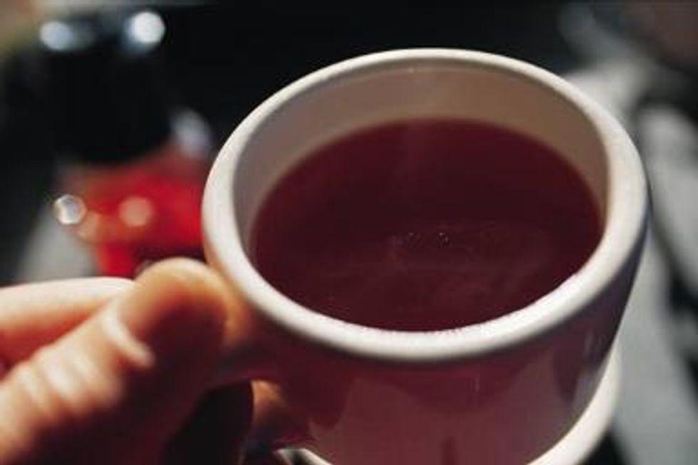 Contro il freddo, piccoli pasti e zucchero nel caffè