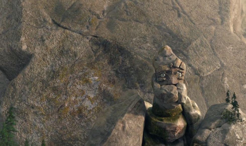 Il gigante di pietra salva il villaggio (più o meno)
