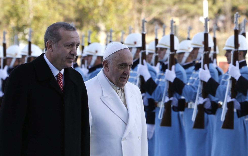 Il Papa parla di pace in Turchia, le foto