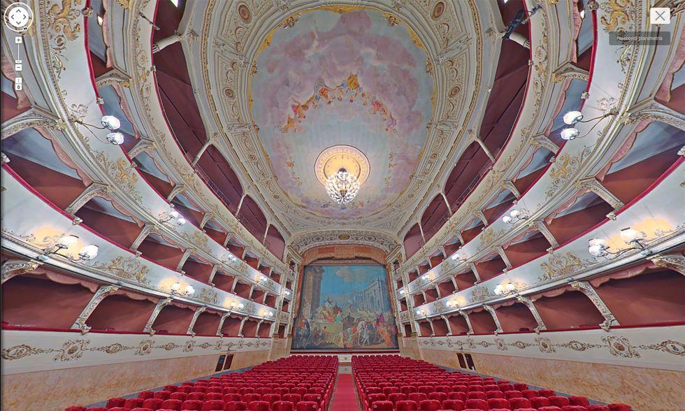 Google Street View nel Teatro della Pergola a Firenze