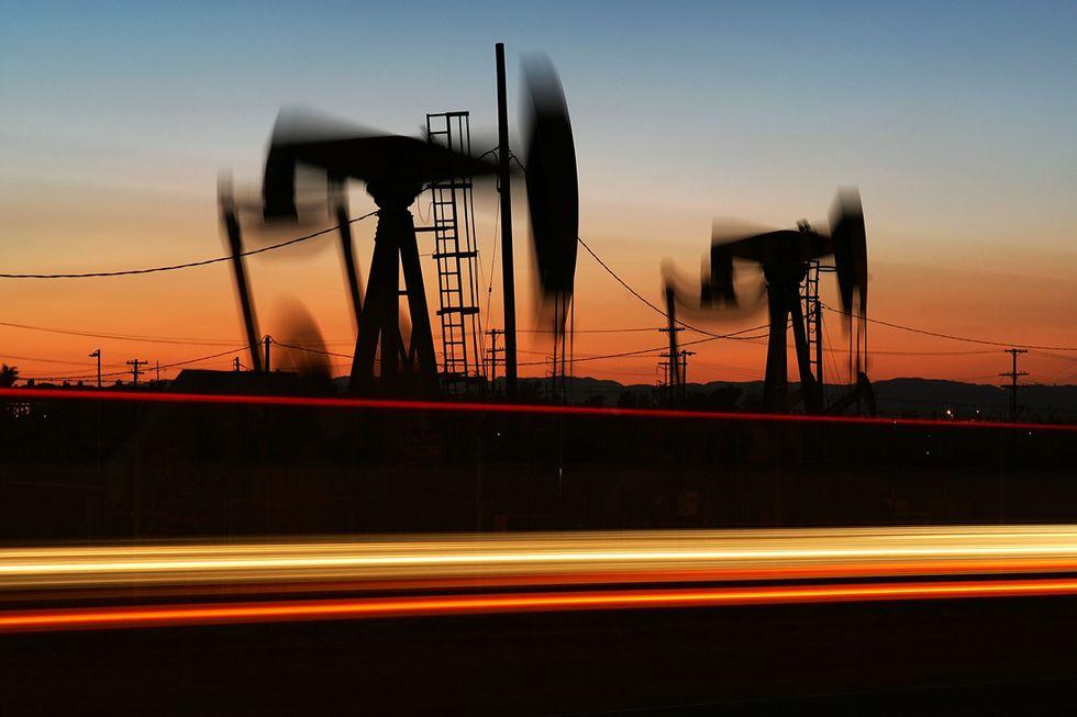 Petrolio, così l'Opec fa la guerra a Usa e Urss