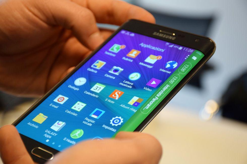 Samsung Galaxy Note Edge, la video-recensione