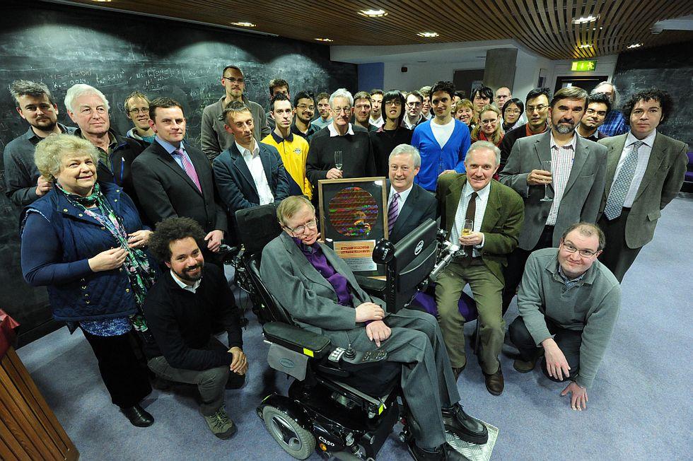 Tecnologia e salute: come Intel ha aiutato Stephen Hawking