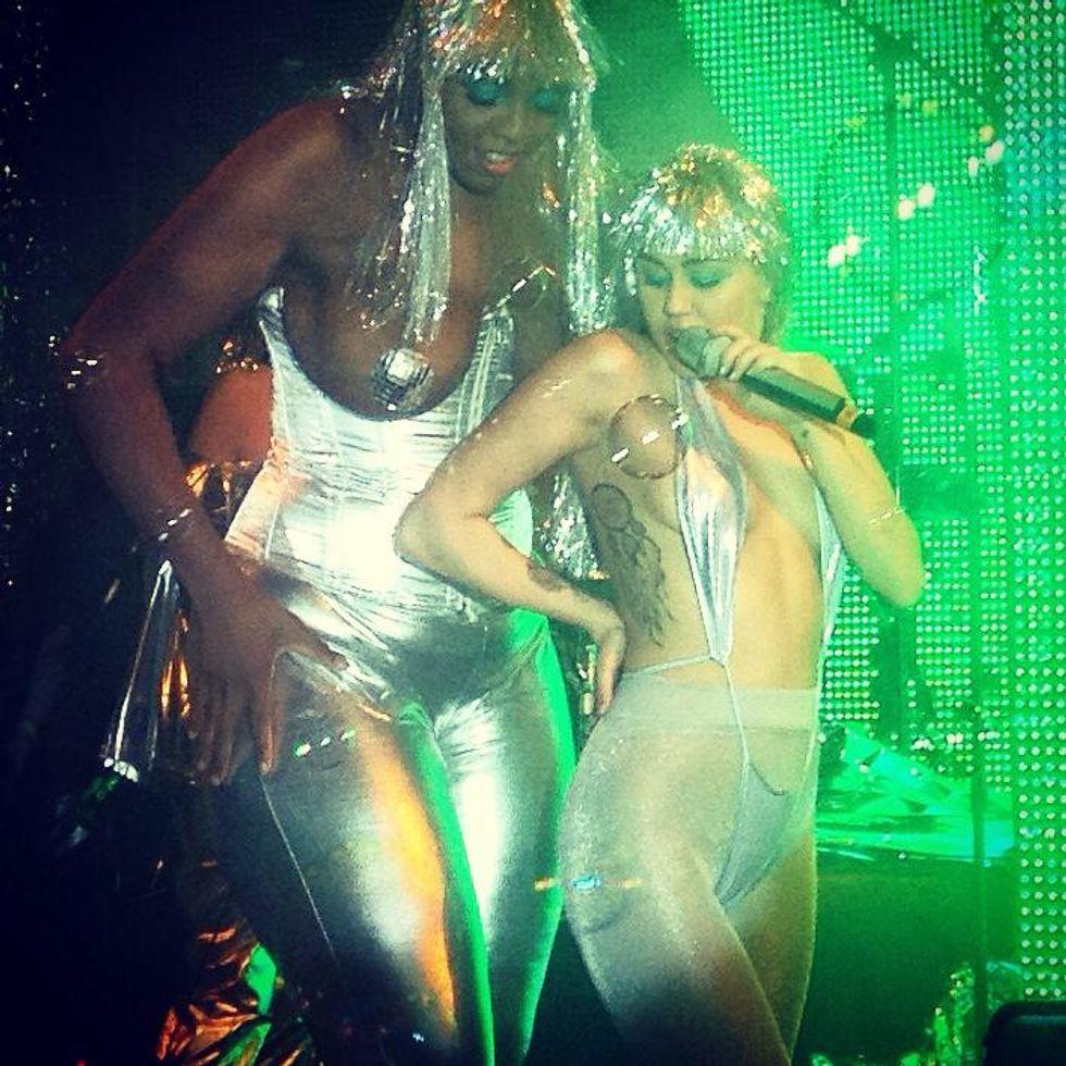 Miley Cyrus, Miami Art Basel è anche questo