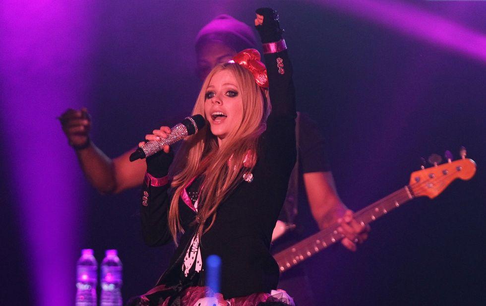 """Avril Lavigne: """"Sto male, pregate per me"""""""