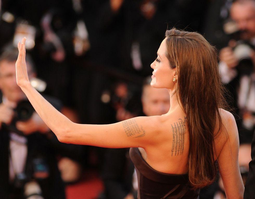 """Angelina Jolie: """"Niente tatuaggi per i miei figli"""""""