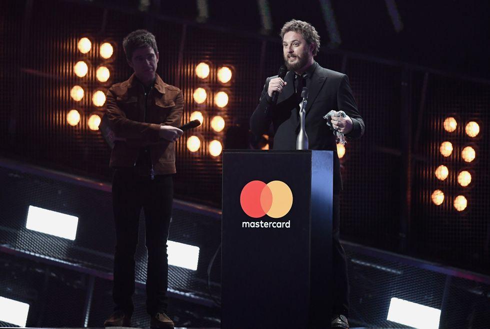 Brit Awards: i veri vincitori sono George Michael e David Bowie