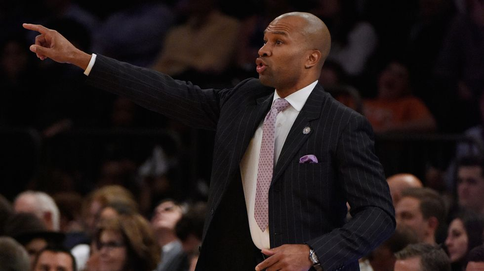 Nba, Fisher (furioso) cambia 5 giocatori dei Knicks in una volta sola