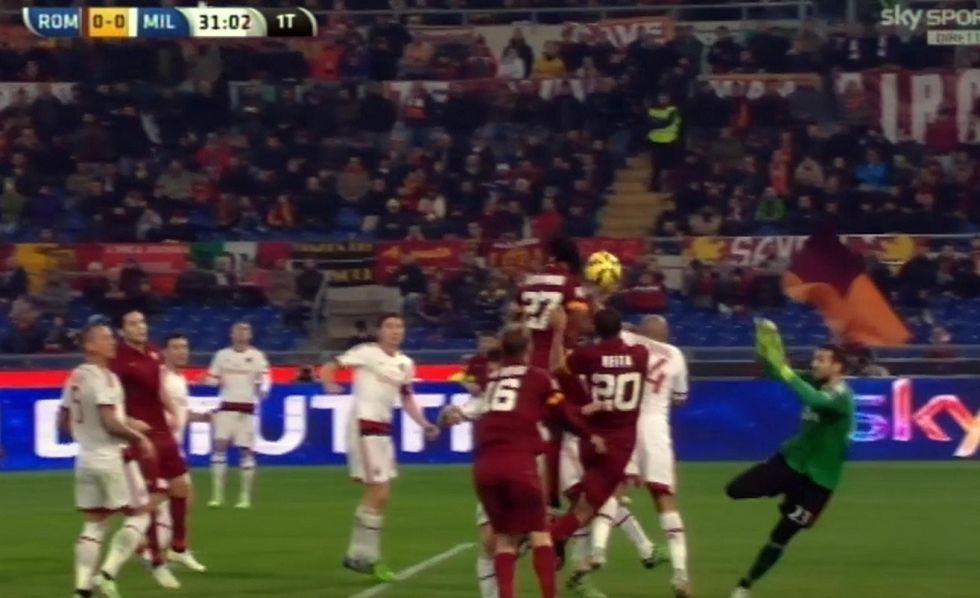 16° giornata - Arbitri disastro: errori contro Roma, Genoa, Samp, Verona, Chievo e Cesena
