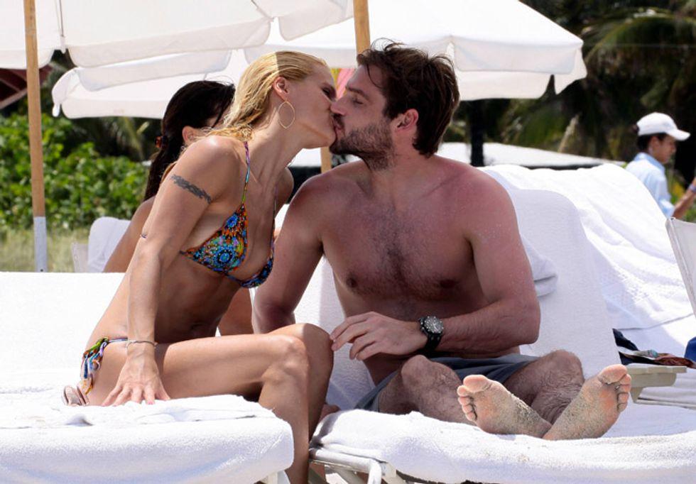 Prima spiaggia romantica per Tomaso e Michelle