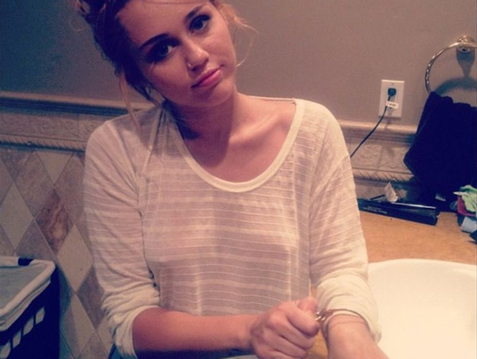 Miley Cyrus autolesionista, l'ultima follia