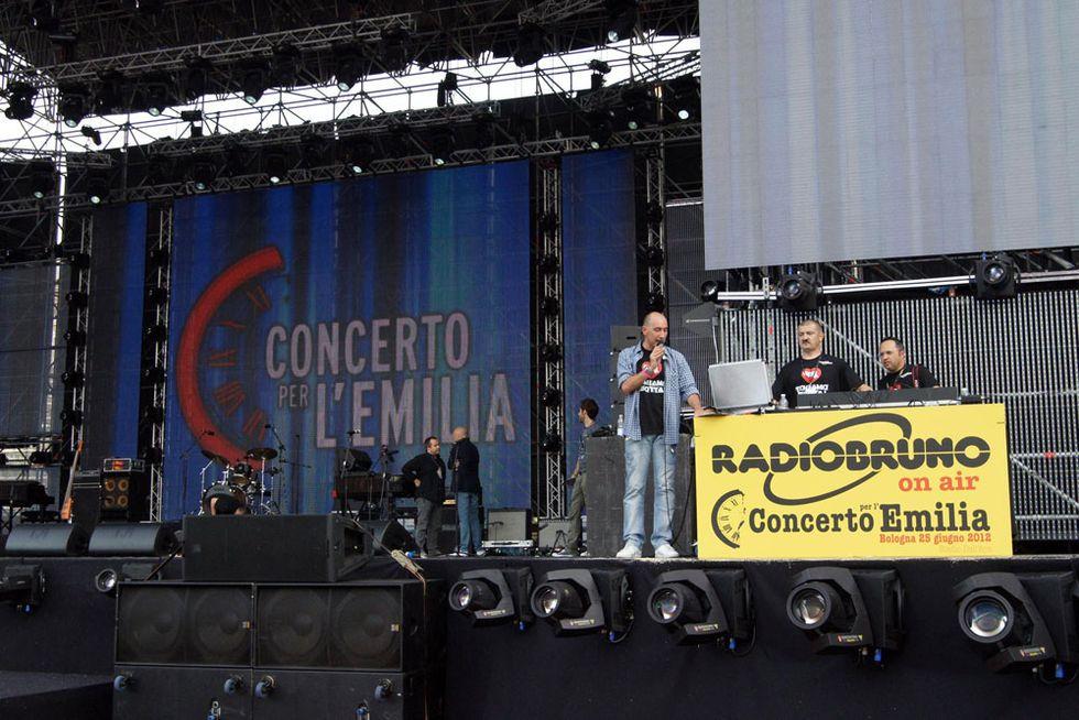 Twitter celebra il #concertoemilia