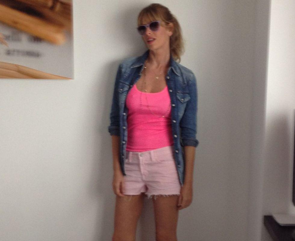 Sexy e femminili con gli shorts