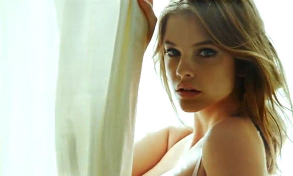 Barbara Palvin, un angelo in lingerie - Video