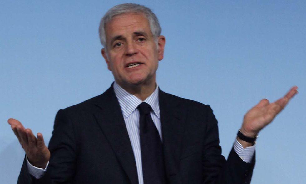 "Roberto Formigoni contro i tagli ""ad canis cazium"""