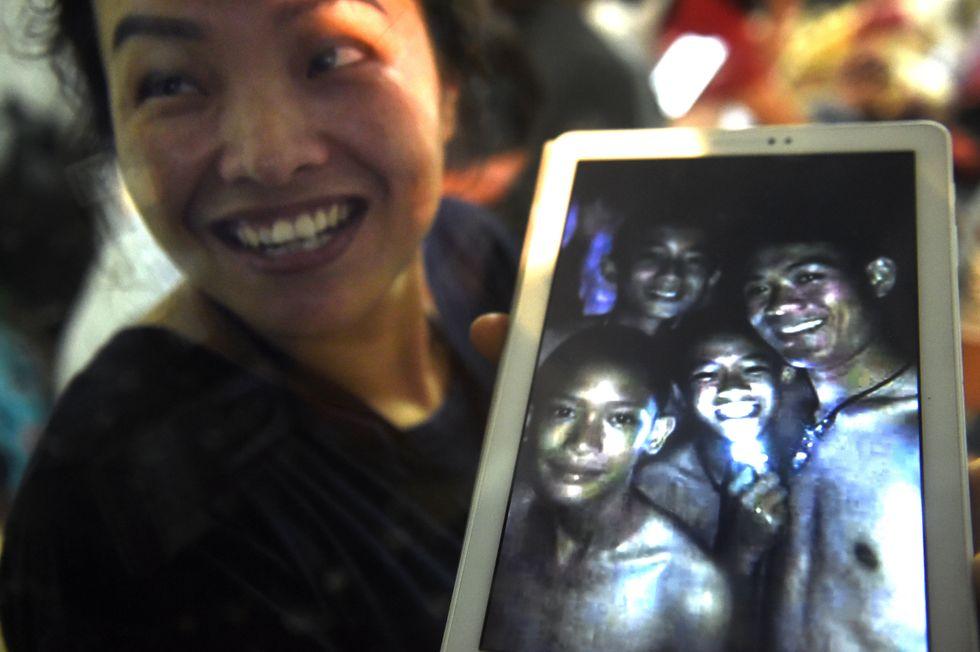 Sono vivi i 12 ragazzi thailandesi dal 23 giugno intrappolati in una grotta