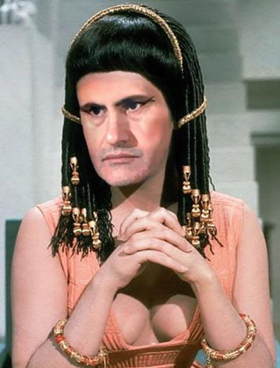 Alemanno, sindaco d'Egitto. #Cleopatra non arriva e Twitter si diverte