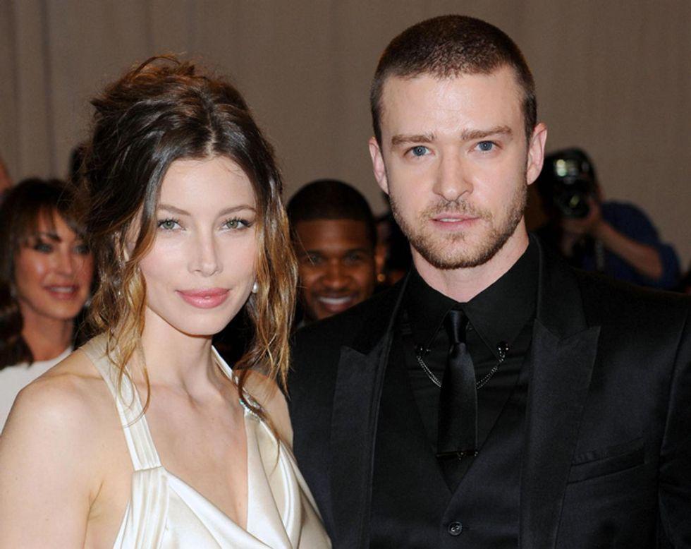 Justin Timberlake e Jessica Biel freschi di nozze, ma un video di auguri crea polemiche in Rete