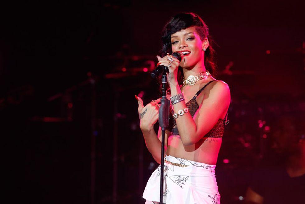 Rihanna, Chris Brown e Twitter: lei posta di tutto, lui lo chiude