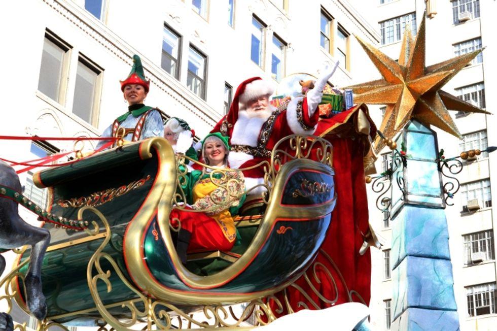 Babbo Natale e Belen: ecco chi può guidare l'auto degli italiani