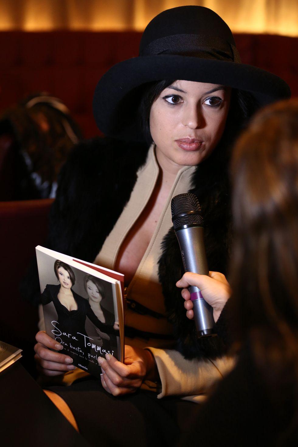 'Ora basta parlo io': il primo libro di Sara Tommasi