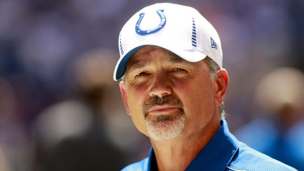 NFL, Chuck Pagano ha il cancro: i Colts si rasano e vincono con lui