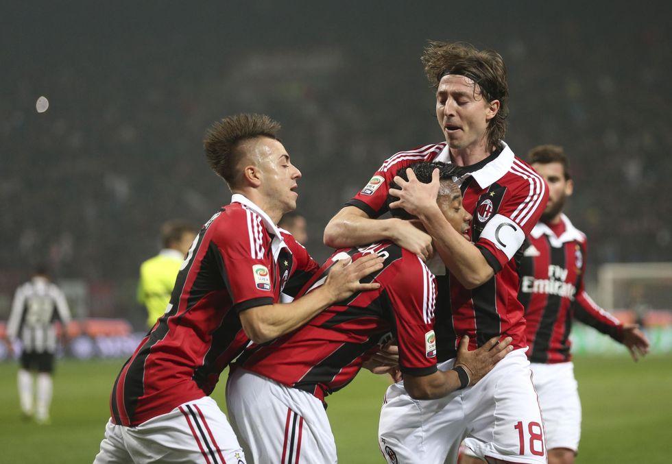 Milan-Juve a maglie invertite
