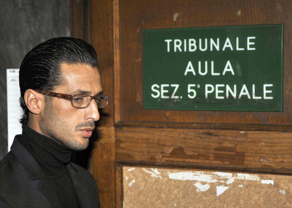 Fabrizio Corona tradito dagli amici portoghesi