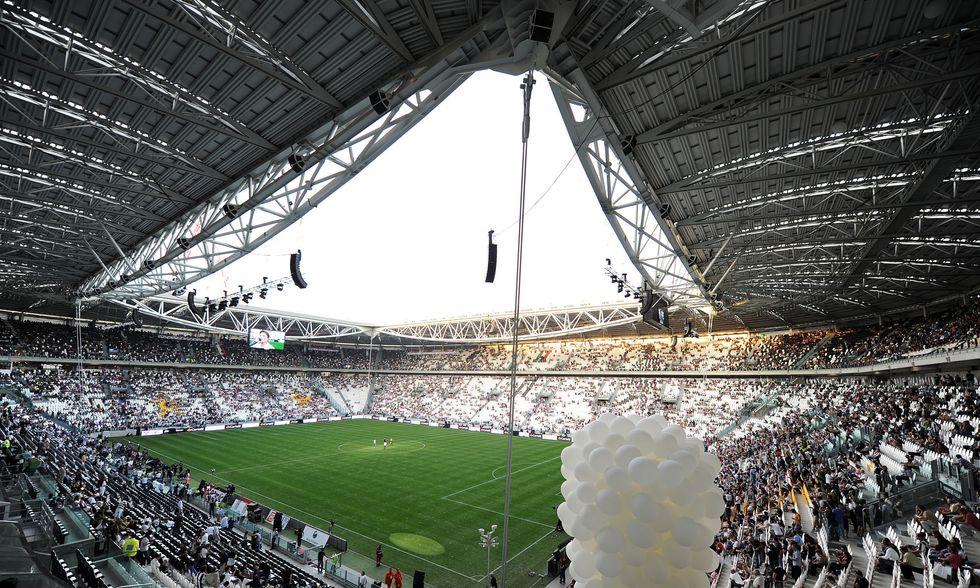 VIDEO - Torna il coro sul Vesuvio e a Napoli vogliono chiudere lo Juventus Stadium