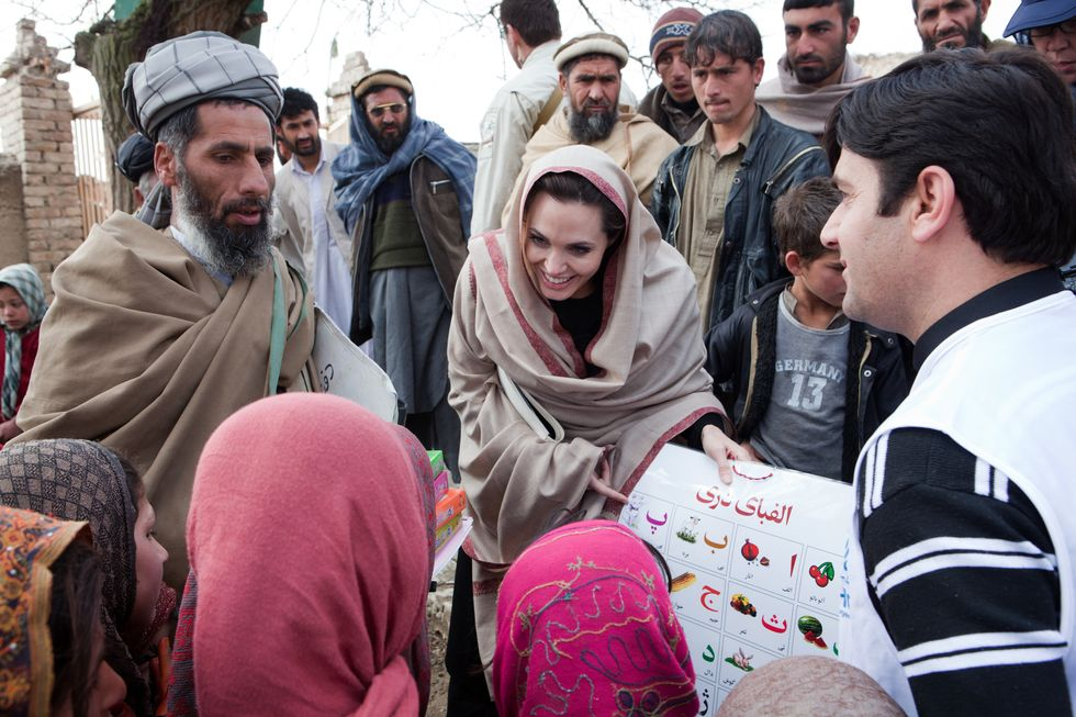 Angelina Jolie, l'angelo delle bambine di Kabul