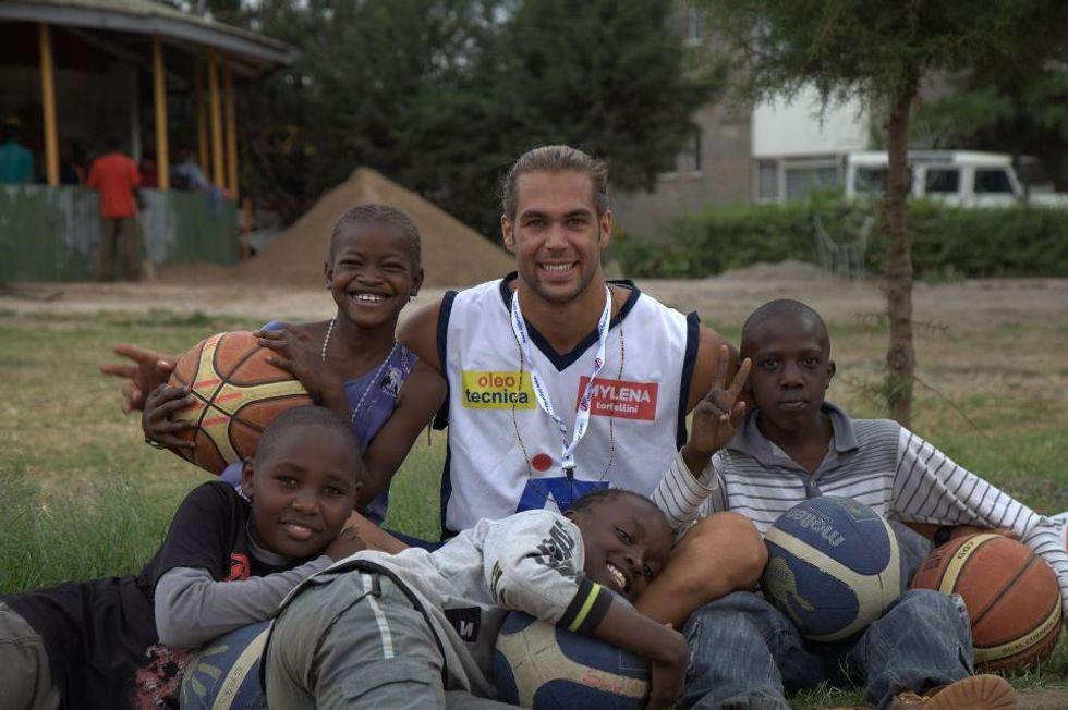 Slums Dunk: il basket per l'Africa
