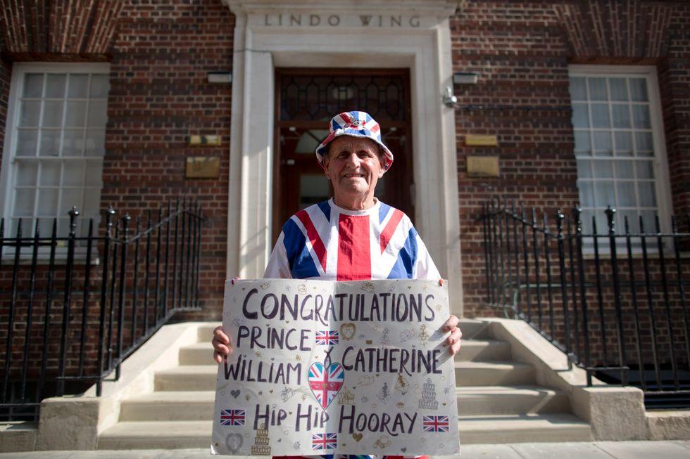 Kate Middleton, yoga a Palazzo per alleviare le doglie