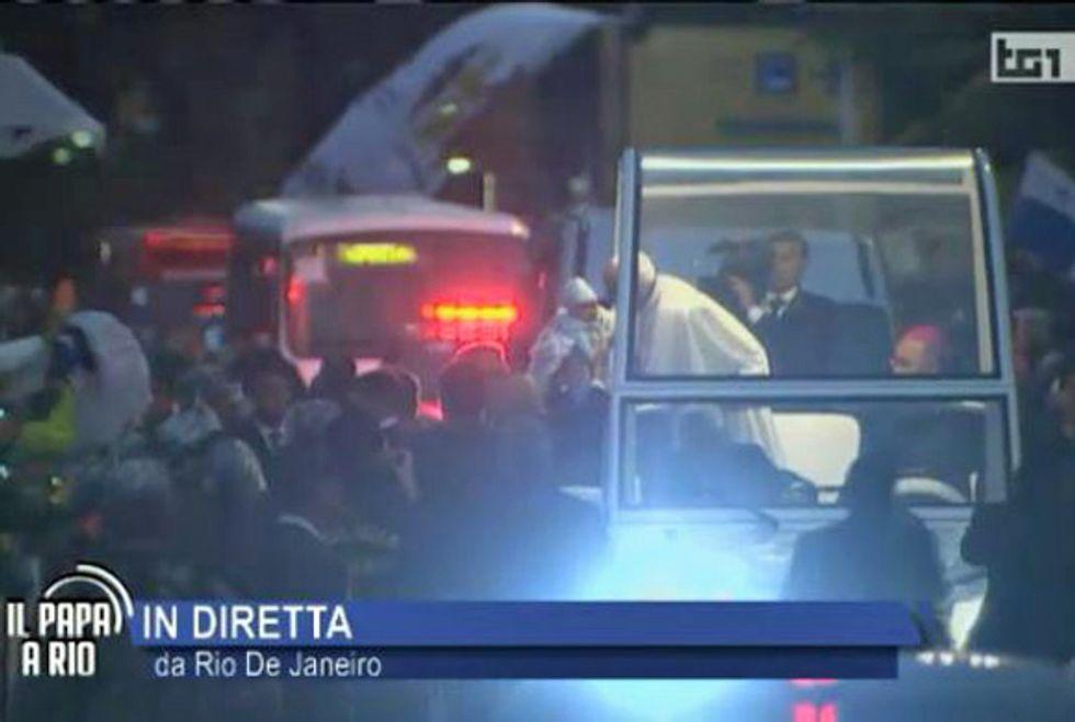 Ascolti 25/07: il Papa a Rio porta Vespa in Paradiso