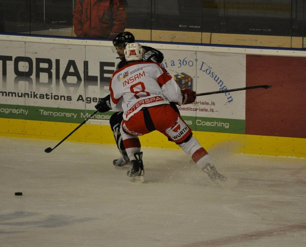 Hockey ghiaccio: il Bolzano pattina via dall'Italia