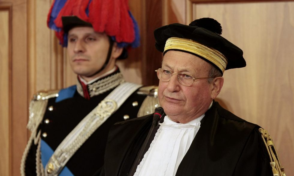 Corte dei Conti: in Italia troppa corruzione. L'evasione è una piaga