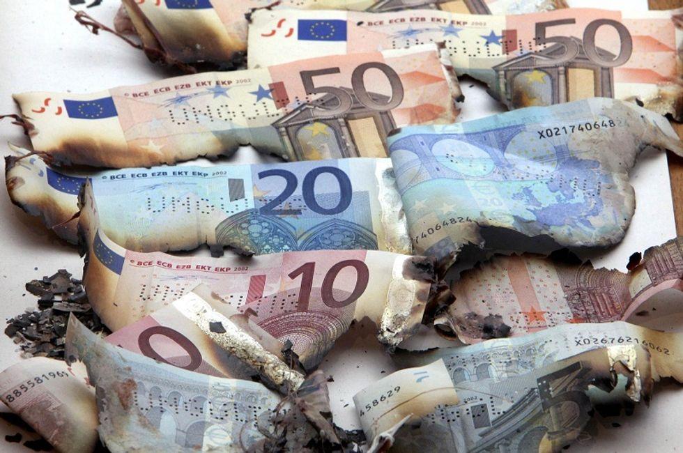 Gli emergenti vendono euro