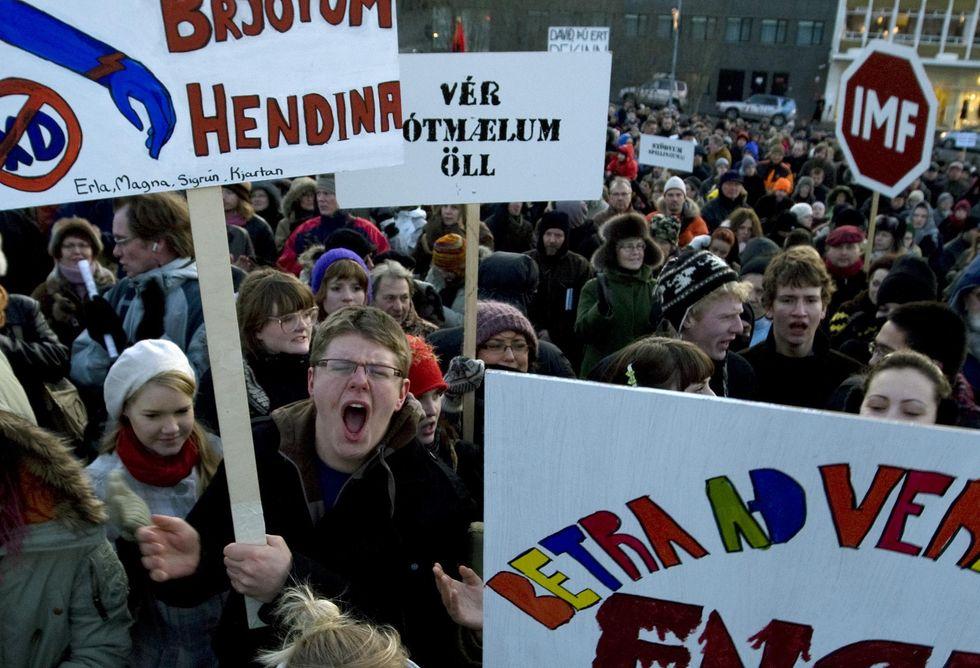 """Crisi, a lezione dall'Islanda: """"Stupido salvare le banche in difficoltà"""""""