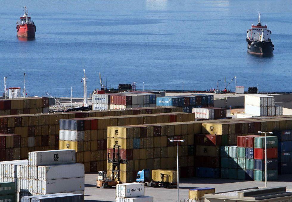 La Cina fa spesa in Grecia e Portogallo