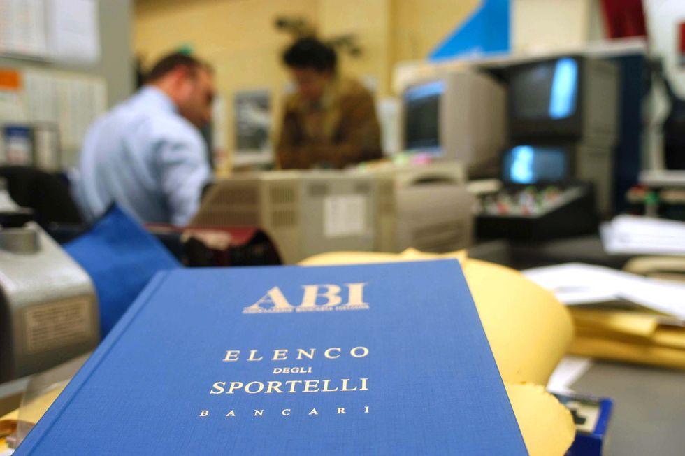 Banche: oltre 15mila esuberi. Ecco perché i big del credito sono costretti a licenziare