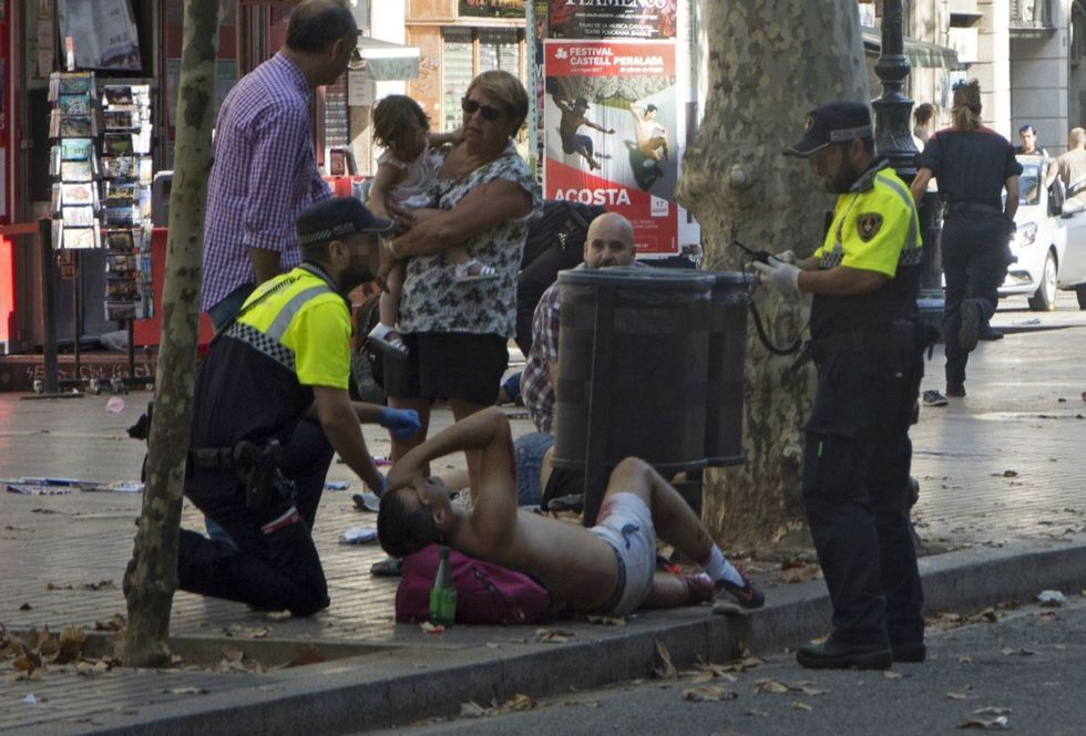 Barcellona, chi c'è dietro l'attentato