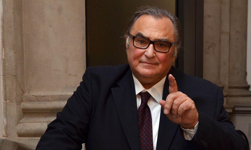 Giulio Sapelli: non basta tagliare le spese, in Italia bisogna tagliare le teste