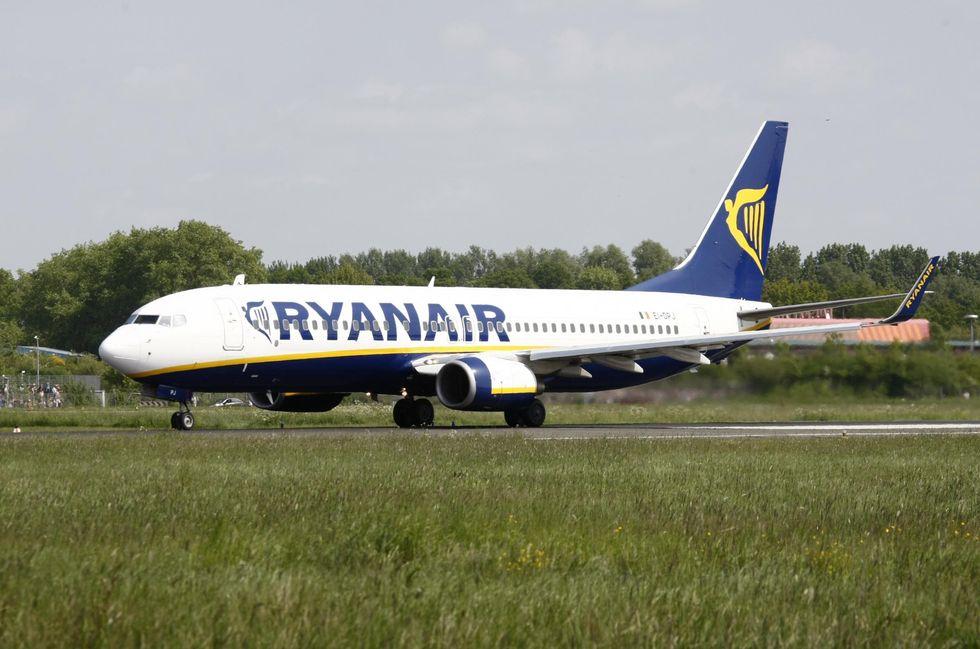 """Ryanair, """"l'avvoltoio"""" che aleggia su Wind Jet"""