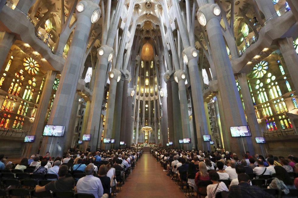Barcellona ricorda le sue vittime