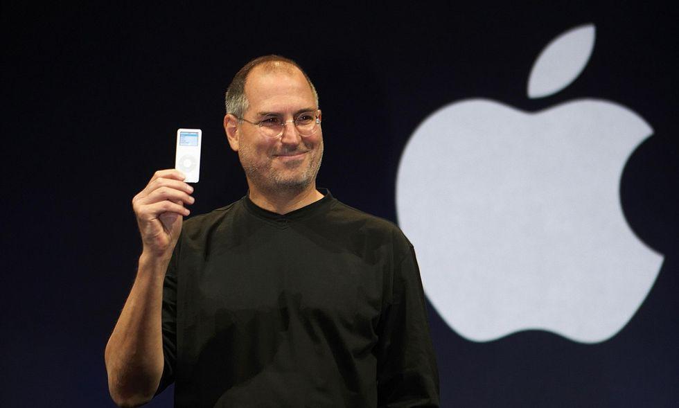 """iPhone, iPad, iPod: ecco il perché della lettera """"i"""""""