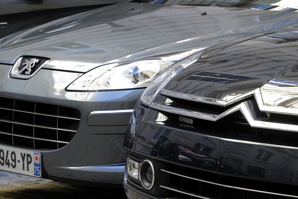 Peugeot-Citroen riceve sussidi. Fiat manda in cassa integrazione