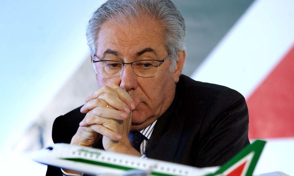 Alitalia, i voli estivi fanno bene ai conti