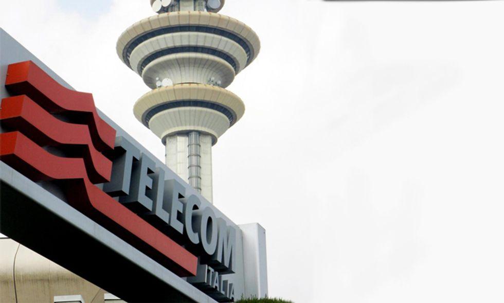 Telecom Italia, la cessione della rete e la strategia del tirare in lungo