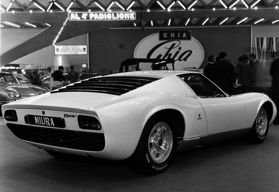 Apple1, Lamborghini, Ferrari: le aste dei grandi affari